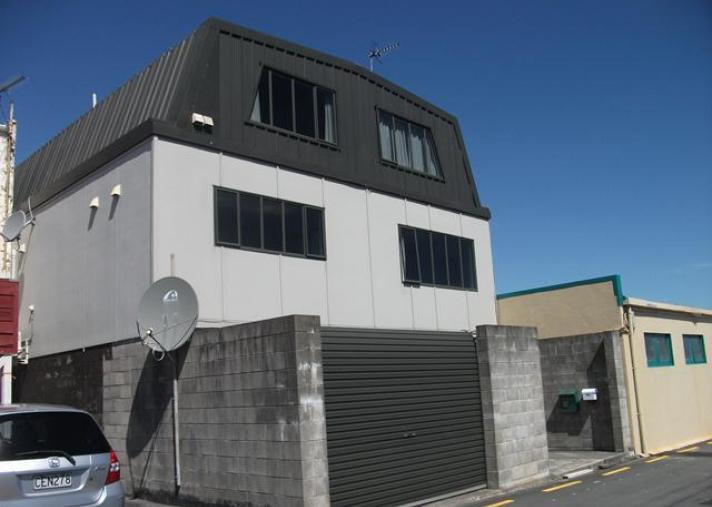 Unit 8, 147 Dowse Drive, Maungaraki
