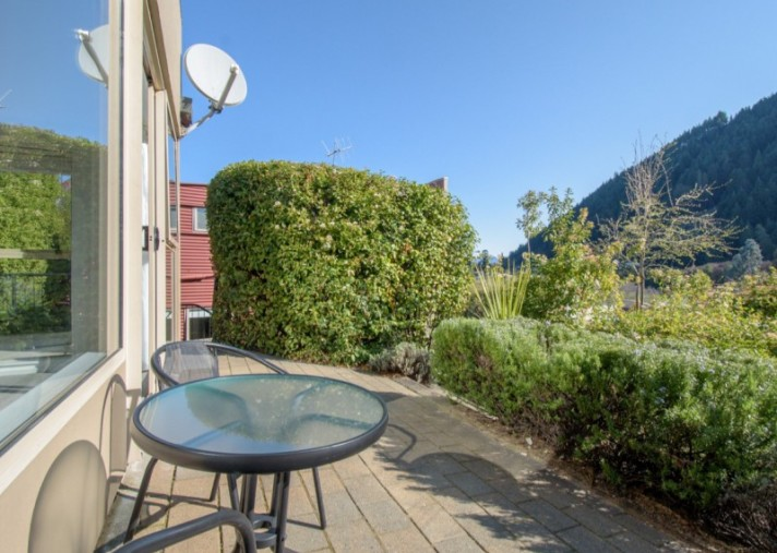 Unit 6T, 108 Hallenstein Street, Queenstown