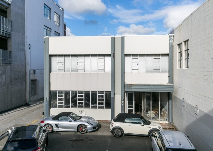 77-79 Queens Drive, Central Hutt