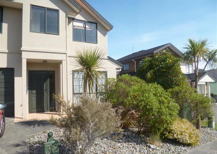 32 Landsdowne Terrace, Karori
