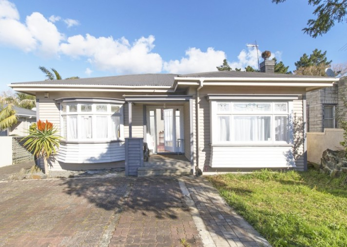 1014 Great North Road, Point Chevalier