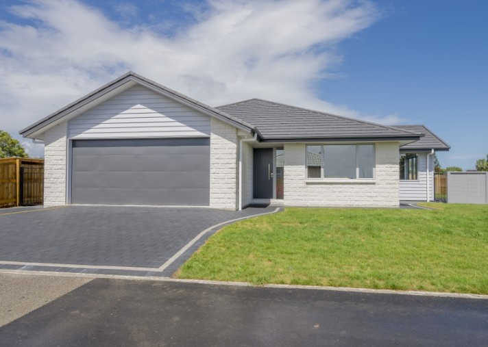 13 St Vincent Way, Waikanae