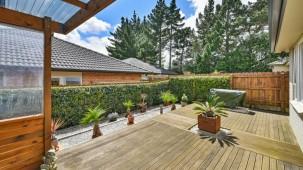 4 Richard Halse Drive, The Gardens