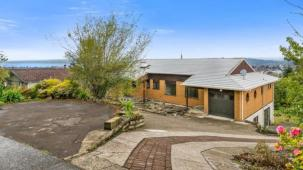21A Russell Crescent, Western Heights